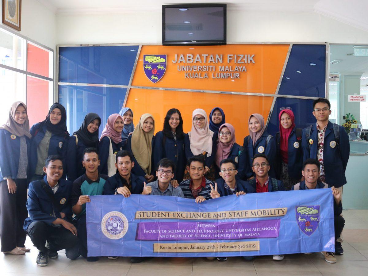 Delegasi Fisika Universitas Airlangga Melakukan Program Mobilitas Ke UM (University of Malaya), Malaysia.