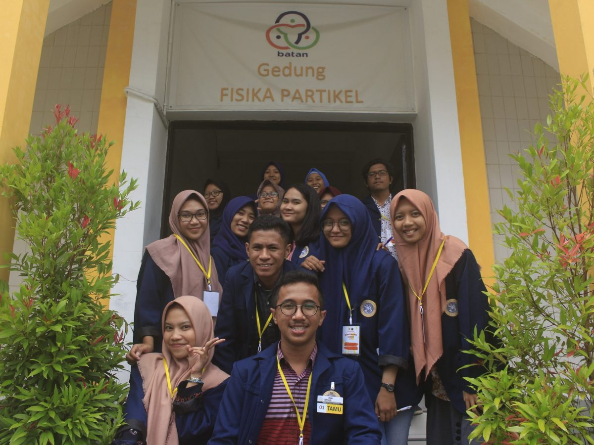 One of the Annual Programs of Physics Students of Airlangga University is An Industrial Visit, Here's a Frame When Visiting BATAN Jogyakarta